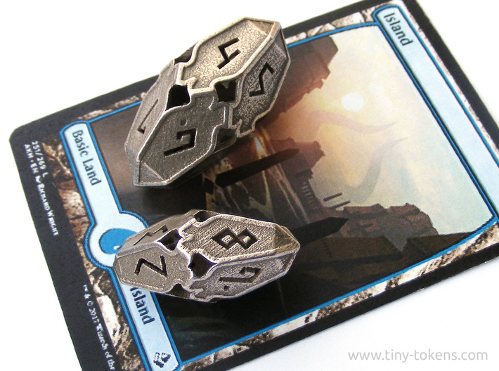 Amonkhet D10 Spindown Life Counter - Large, 3d printed The large and small versions of this d10 with a Magic card for scale.