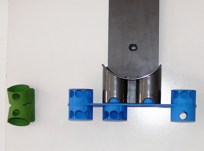 For Dyson V8, Left BIG Wall Adapter 3d printed Earlier prototype without the new bracing