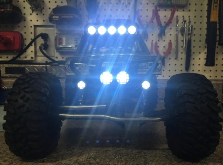 Axial Wraith Spawn Bucket Light Mount Extensions 3d printed With the lights on.