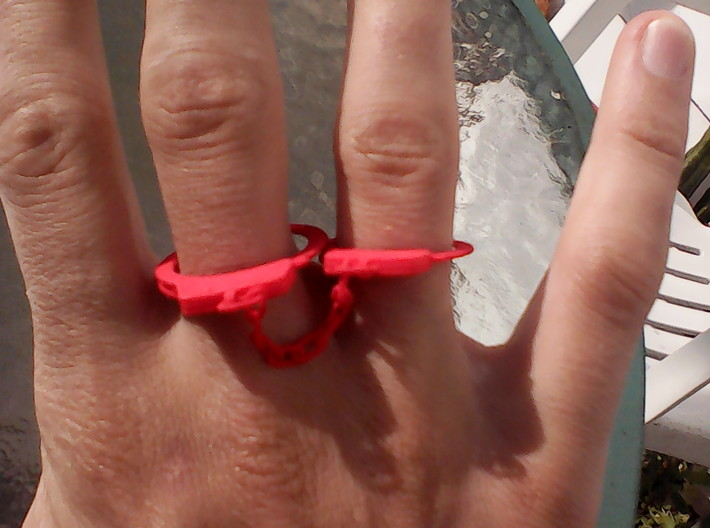 Finger cuffs size 10-12 with chain 3d printed