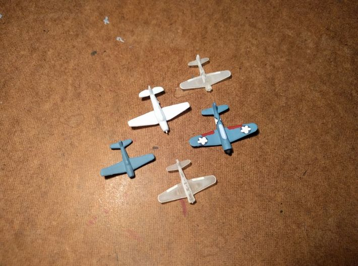 SBD Dauntless 1/500 x10 3d printed Model sold unpainted. Size comparison with Axis & Allies pieces (F6F Hellcat to left in all blue, TBM Avenger in all white, original SBD Dauntless painted on right)