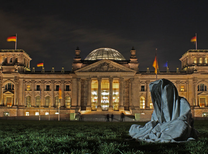 Guardians of Time by Manfred Kielnhofer ghost in a 3d printed Guardians of Time by Manfred Kielnhofer