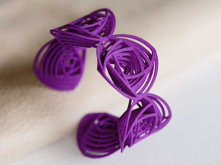 Rose Stripes Bracelet 3d printed