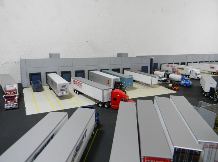 Custom Wall #1 3d printed This model used with other models to make a background warehouse model