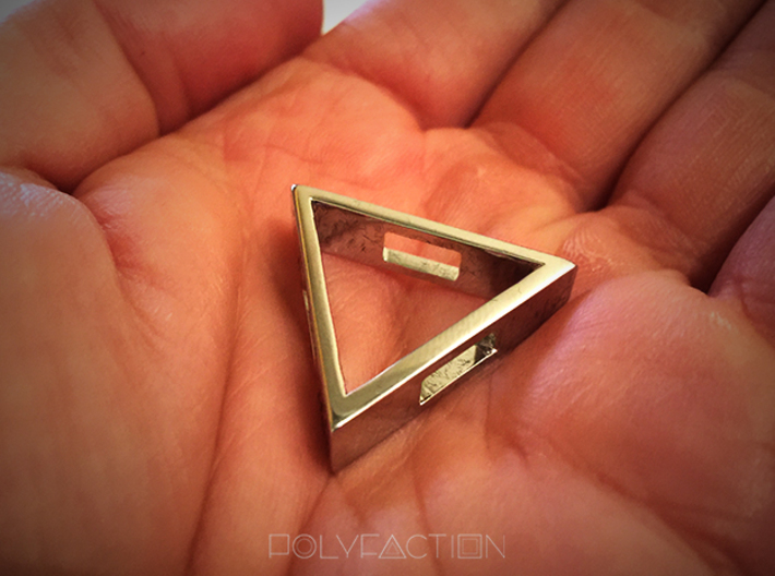 Loop ::: Triangle Pendant ::: v.01 3d printed