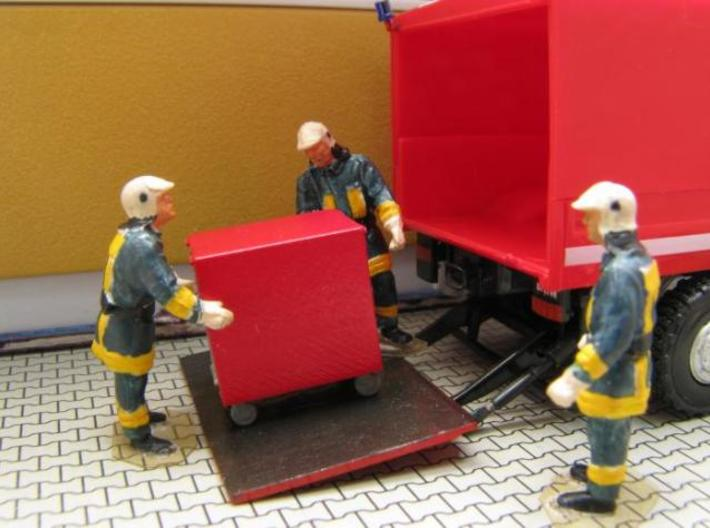 HO/1:87 Fire extinguisher container kit 3d printed Painted & assembled diorama (figures & truck not included)