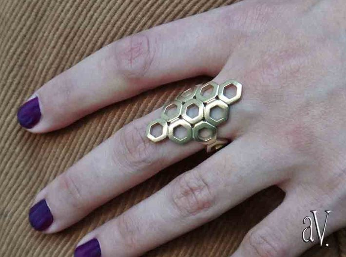 Bee Square 3T Ring 3d printed