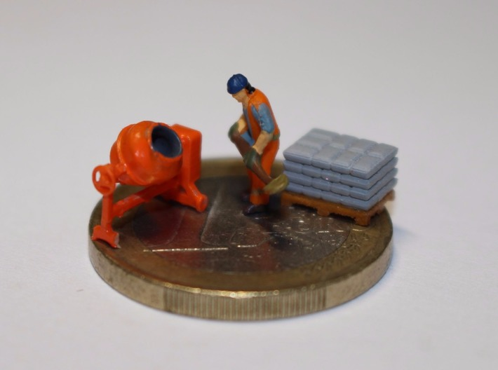 N Scale Concrete Mixer Set 3d printed Painted set, figure not included