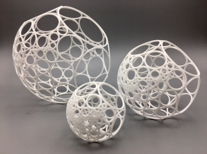Bowers Circle Packing Ornament - 100 Circles 3d printed