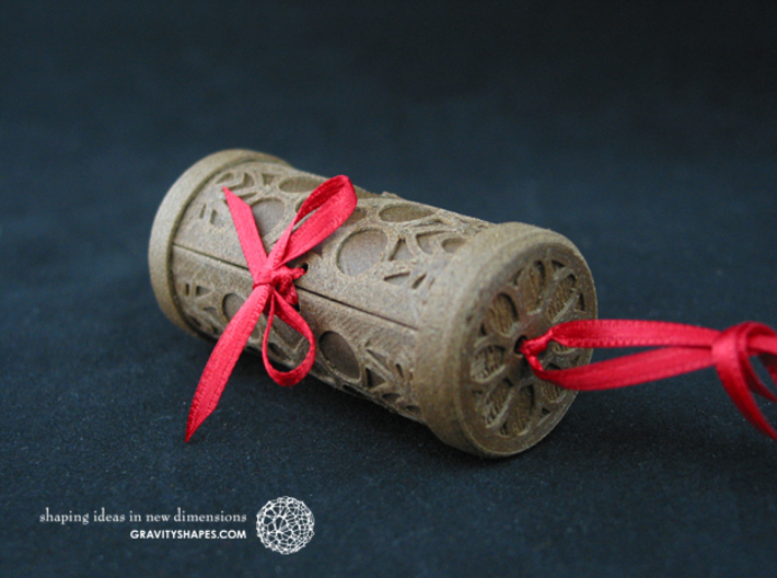 Solid Gift roll small with Mosaic-2 (6 cm) 3d printed The photo shows an own print (FDM print) made of brown wood incl. decorative lacing.