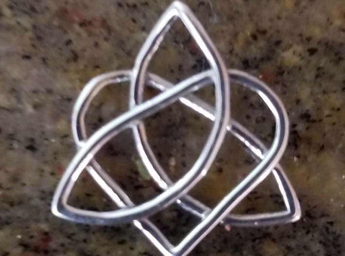 Triqueta with Heart 3d printed Polished Silver