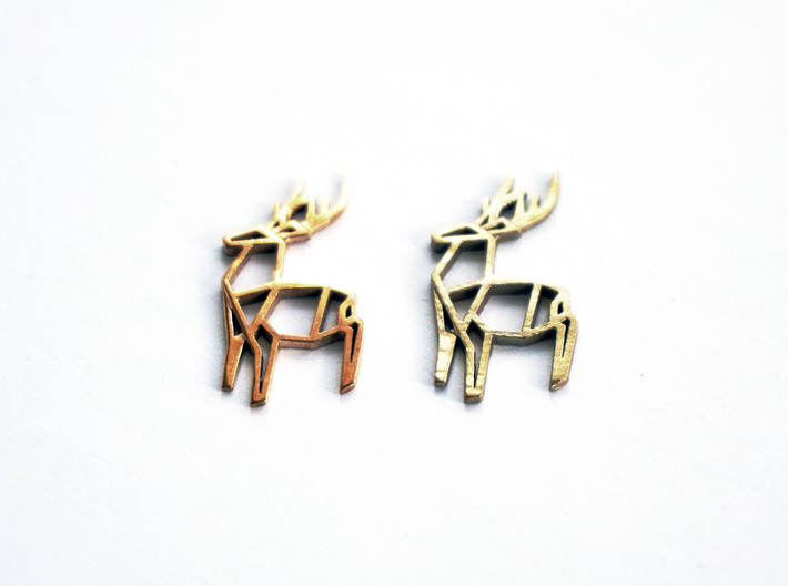 Origami Stag Pendant 3d printed Origami Stag Pendant (Small) in polished bronze (left) and raw brass (right)