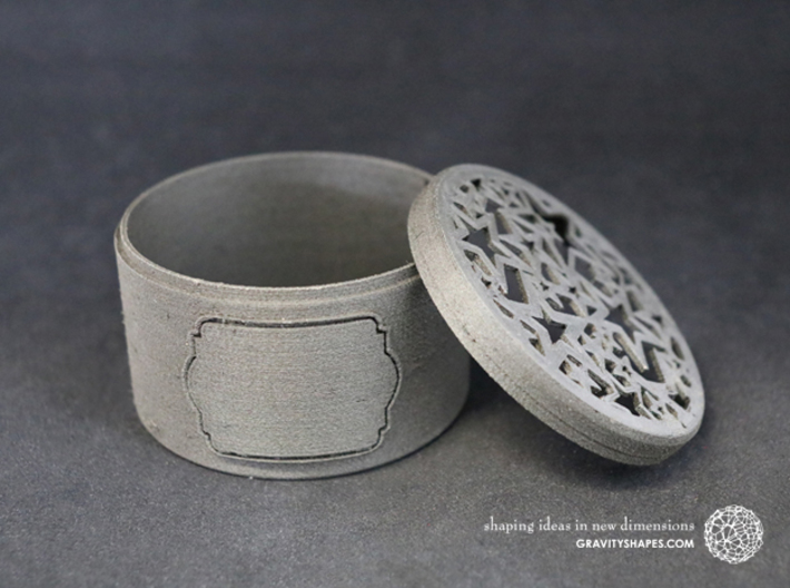 Gift Box big with Stars & Label No. 2 (filigree) 3d printed The photo shows an own print (FDM print) made of black wood.