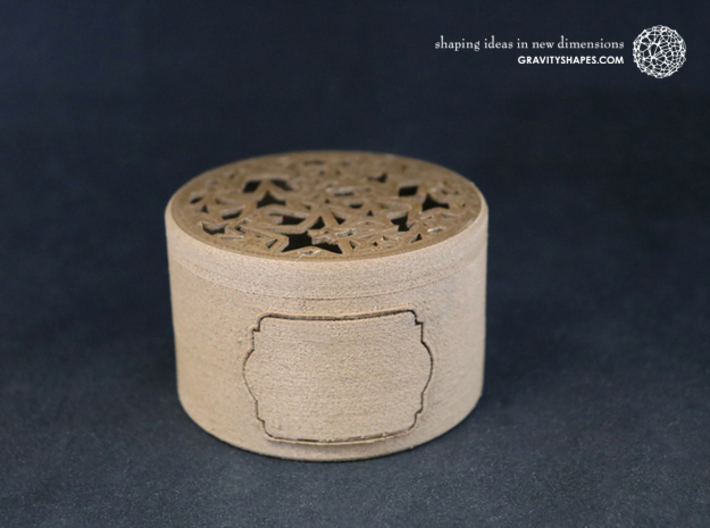 Gift Box big with Stars & Label No. 2 (filigree) 3d printed The photo shows an own print (FDM print) made of brown wood.