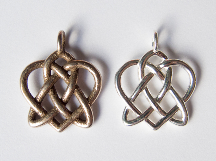 Celtic Heart pendant 3d printed Stainless steel + Polished silver