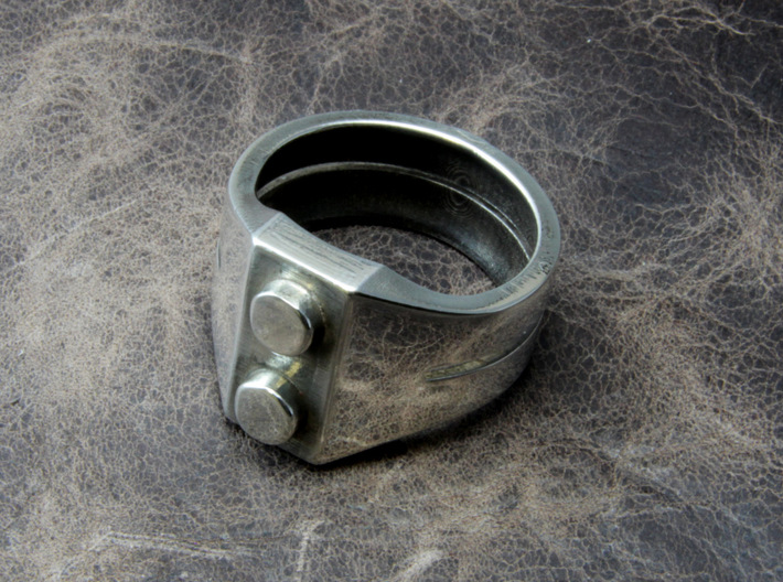 Brick Ring 3d printed This material is Polished Silver , Patinated with bleach