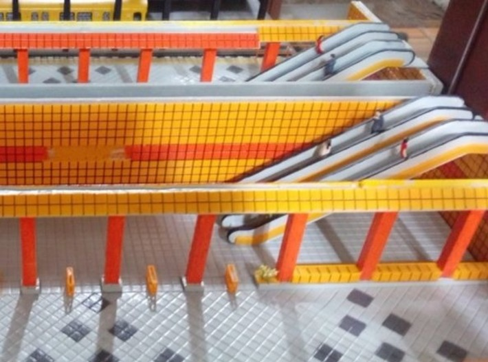 HO Escalator H61mm 3d printed Painted model installed on a Berlin U-Bahn station. Thanks for the picture Aziz!