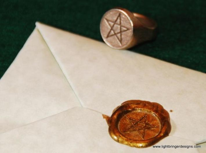 Pentagram Signet Ring 3d printed Photo of the ring in gold plated stainless steel (material no longer available)