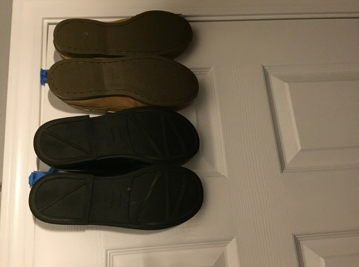 Attachable Door Shoe Holder 3d printed