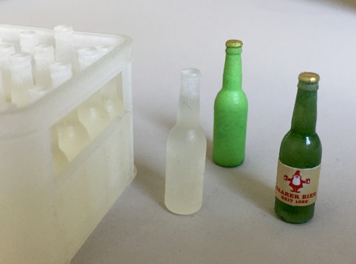 1:12 Beer Bottles (20 pieces) 3d printed 'Frosted' painted with Edding feltpen green and brown.