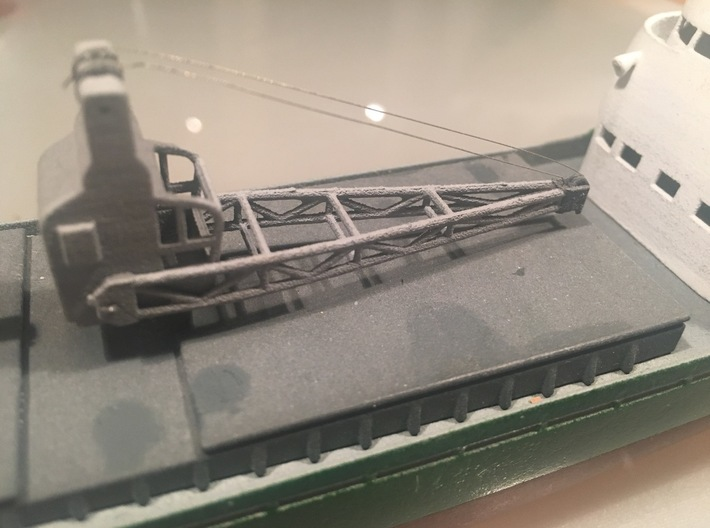 3 to ship crane, movable, 1:200 scale 3d printed installed on a model