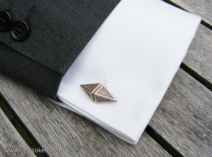 Zendikar Hedron Cufflinks 3d printed This is what the cufflink looks like on a French cuff.