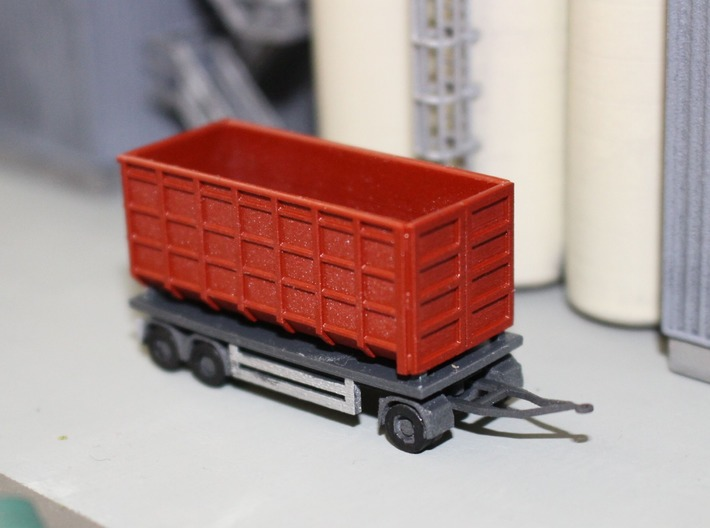 N 20ft Container Trailer 1 3d printed Painted trailer with a 20ft roll-on container