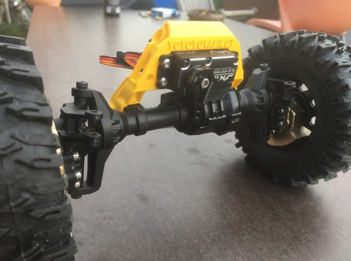 TRX-4 V1 servo on axle mount and 4-link adapter 3d printed