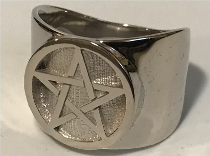 Pentacle Ring - thick 3d printed Thick pentacle ring in rhodium-plated polished brass