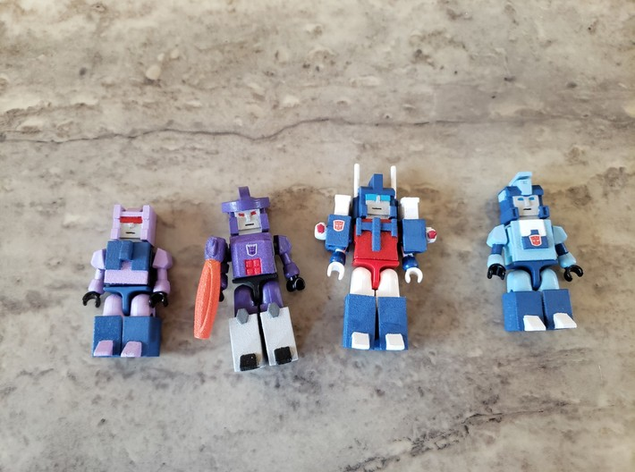 Heads for Blurr,Magnus Kreons (Set 2 of 2) 3d printed Example of how heads, vests, legs are added to Kreons