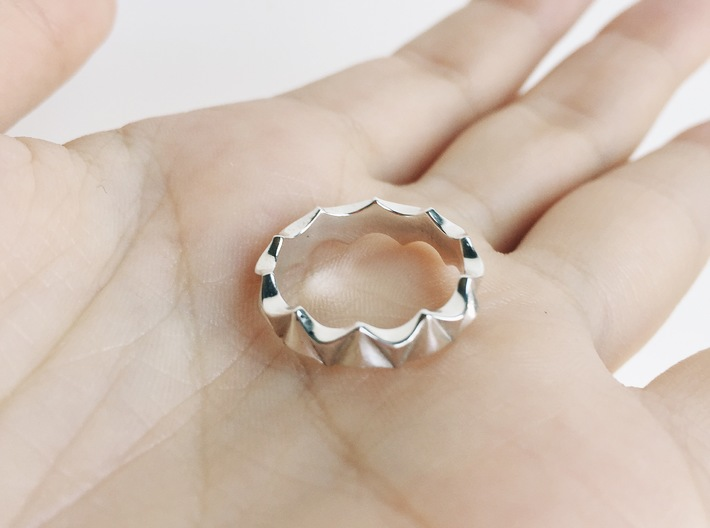 Scallop Ring 3d printed Scallop Ring in size 4