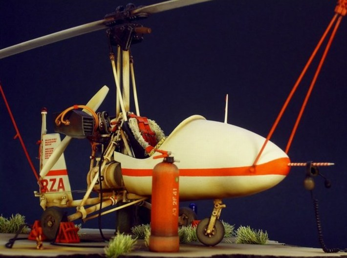 1/18 scale Wallis WA-116 Agile autogyro model kit 3d printed Built model on diorama