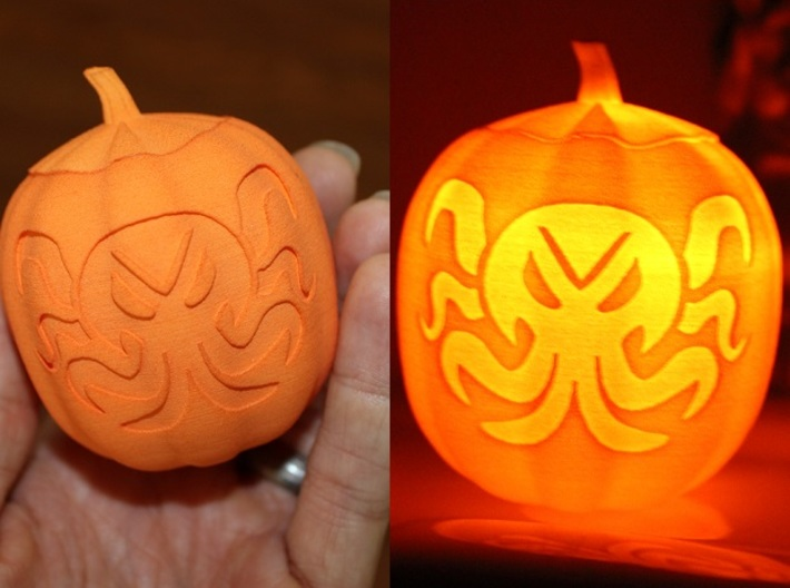 Cthulhu Jack-O-Lantern 3d printed Cthulhu in Hand...and Glowing!