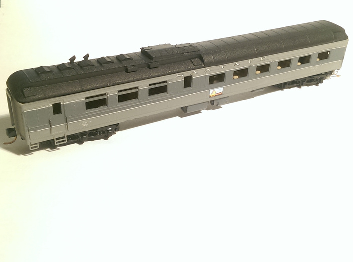 AT&SF Heavyweight Diner Roof (N-Scale) 3d printed This model is for the roof ONLY - the dining car was kitbashed separately.