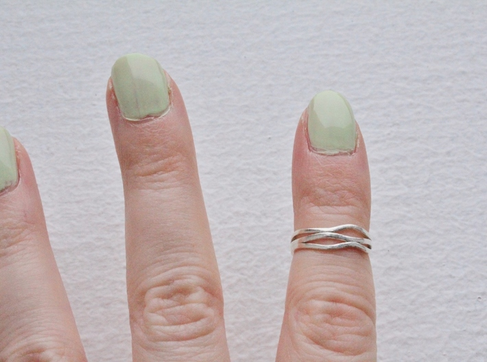 Wave Knuckle Ring 3d printed