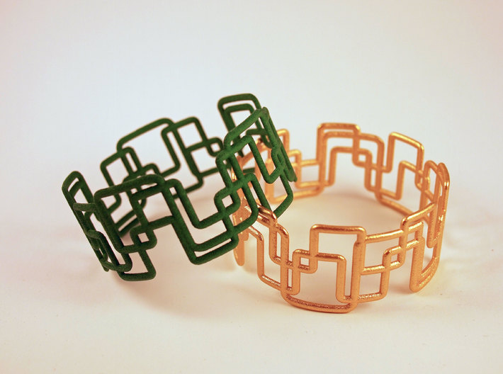 Modern Graphics Bracelet  3d printed Green and Matt gold steel in Comparison