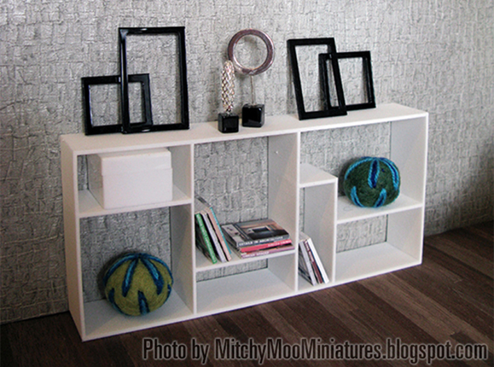 The Fixation 1:12 scale Bookshelf 3d printed Photo by Pepper of http://mitchymoominiatures.blogspot.com