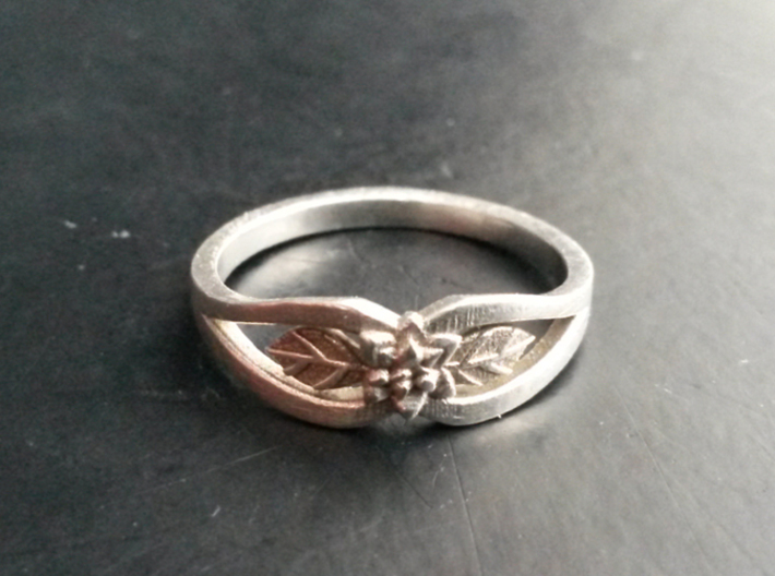 Silver Flower Ring 3d printed