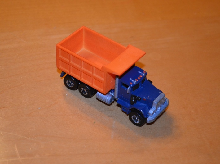 Hotwheels Mack Truck Dumpbed V2.0 3d printed Image is of version 1.0. Version 2.0 has it's width and height reduced to be closer to scale