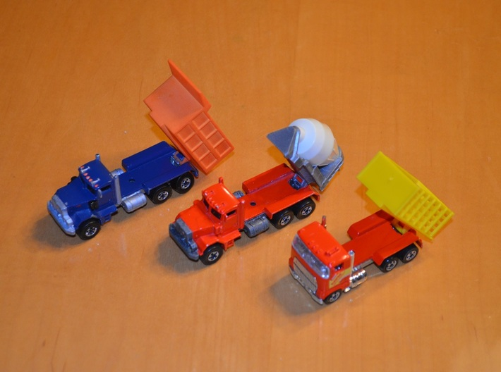 Hot Wheels Mack Truck Dumpbed V2.0 3d printed This images shows the attachment method for the Hotwheels.