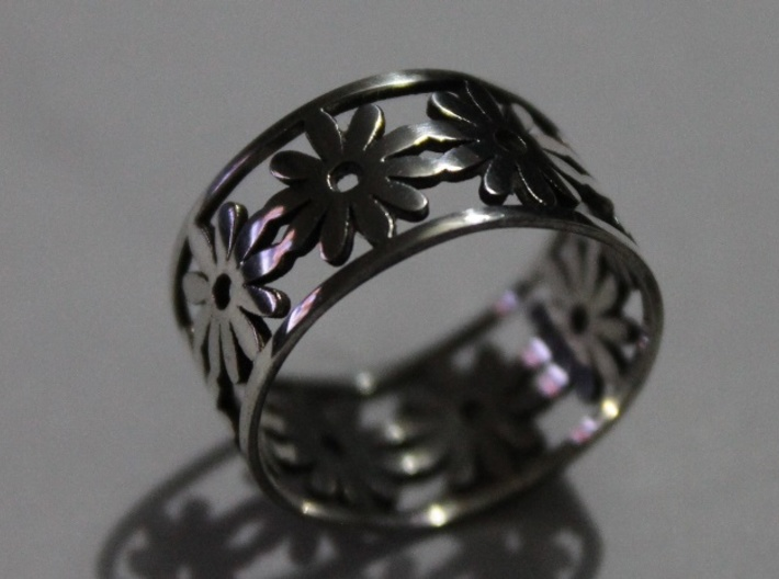 33 Daisy Ring V1 Ring Size 7.75 3d printed