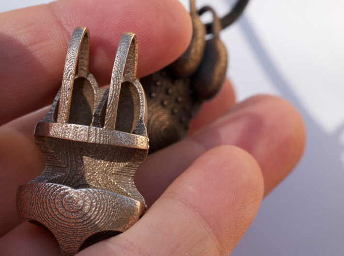 I Walk With #KubraKhademi Pendant 3d printed Stainless Steel detail
