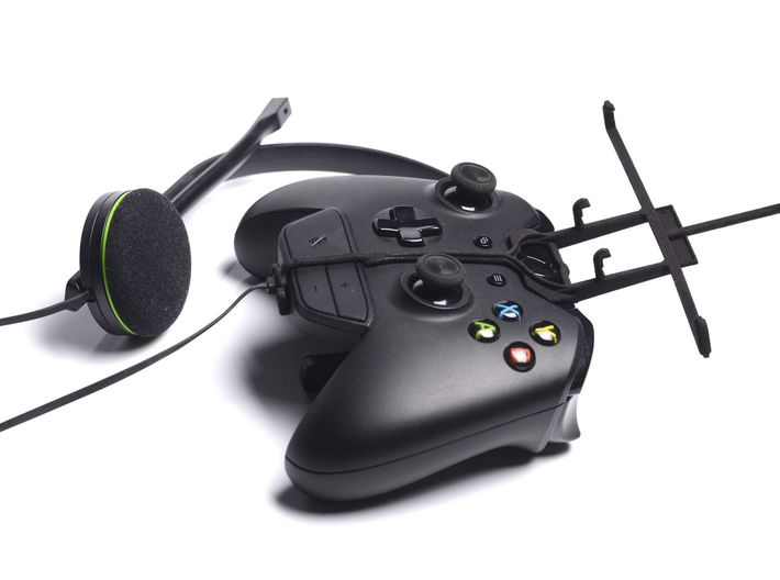 Xbox One controller & chat & Microsoft Surface 3 - 3d printed Without phone - A Nexus 7 and a black Xbox One controller & chat