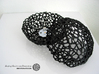 Little Voronoi Pearl Light Lamp No. 1 (8 cm) 3d printed Own 3D-print of the slightly larger lamp version (10.4 instead of 8 cm) in black PLA.
